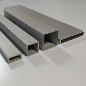 Grijze aluminium profielen in anode poederlak, geanodiseerde aluminium profielen, geanodiseerde kokers